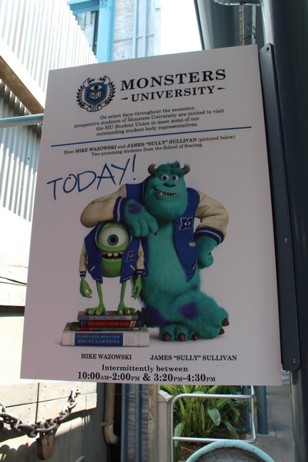 Mike Wazowski And Sulley Greet Guests At Disney S Hollywood Studios In Monsters University Attire Mousesteps