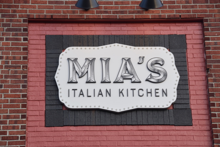 Review Mia S Italian Kitchen Orlando With Bottomless Dining Menu Mousesteps